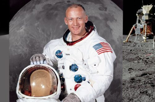 Freemasons on the Moon: a secret mission